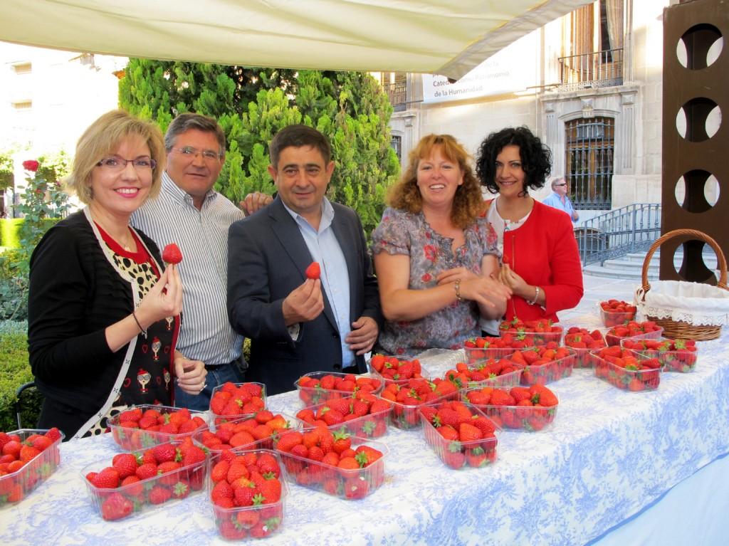 20131011_Presentacixn_muestra_provincial_de_la_fresa