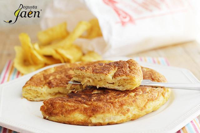 Tortilla de Patatas fritas Casa Paco Cocinar con Degusta Jaén (3)