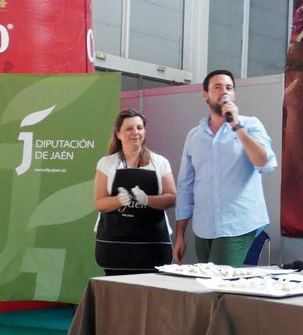 Cocinando entre olivos y Javier Altarejos