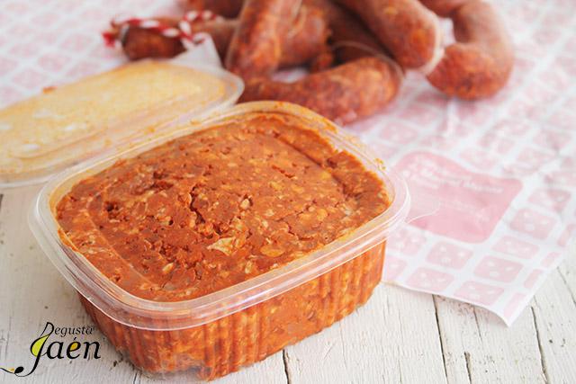 Huevos en nido de pan con picadillo de chorizo (6)