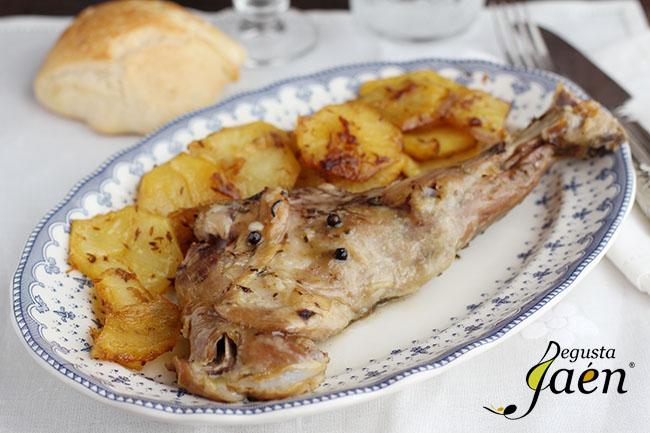 Paletilla cabrito y patatas ajillo pastor