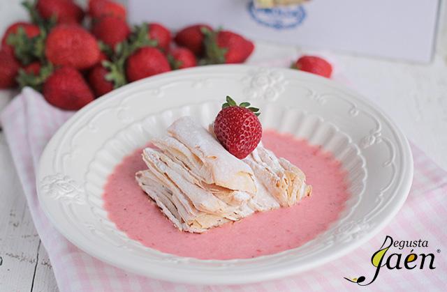 Virolos con crema de yogur y fresas (3)