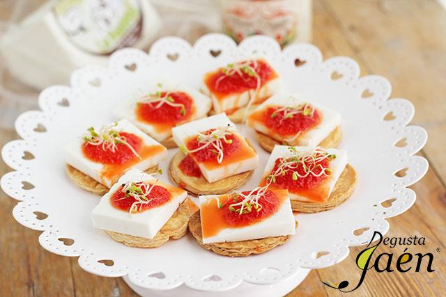Tartitas-queso-Pasiega-y-mermelada-Santa-Claudia