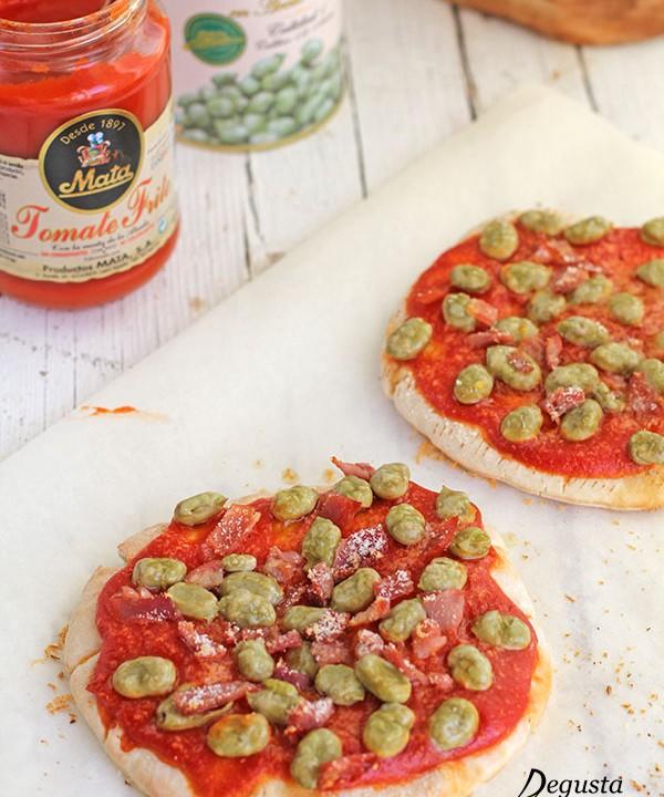 Pizzas r pidas de tomate y habas fritas degusta ja n for Como se cocinan las habas