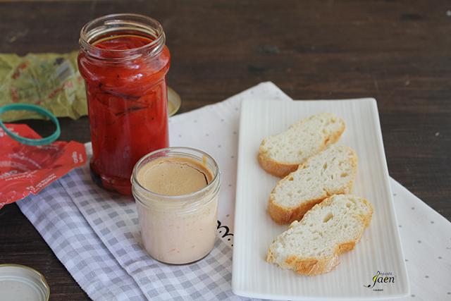 Pimientos del piquillo rellenos de pate de bonito Degusta Jaen (2)