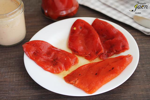 Pimientos del piquillo rellenos de pate de bonito Degusta Jaen (3)