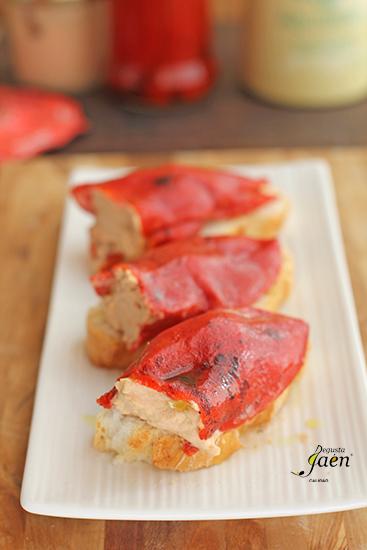Pimientos del piquillo rellenos de pate de bonito Degusta Jaen (6)