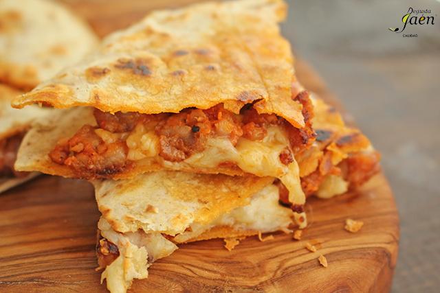 Quesadillas con chorizo y queso Degusta Jaen