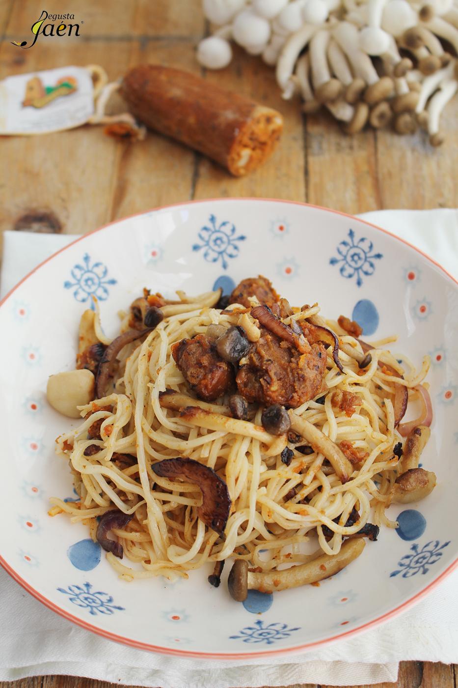 Fideos chinos morcilla sin sangre Degusta Jaen (2)