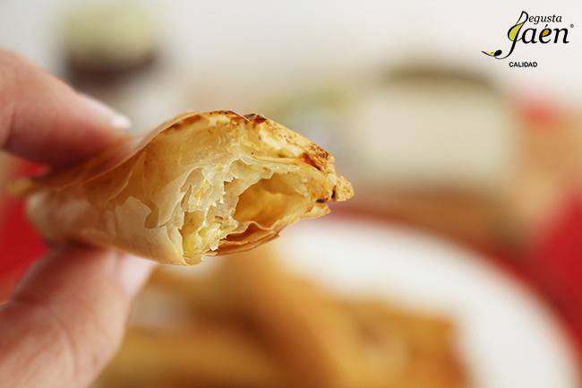 Crujientes queso romero y miel Degusta Jaen