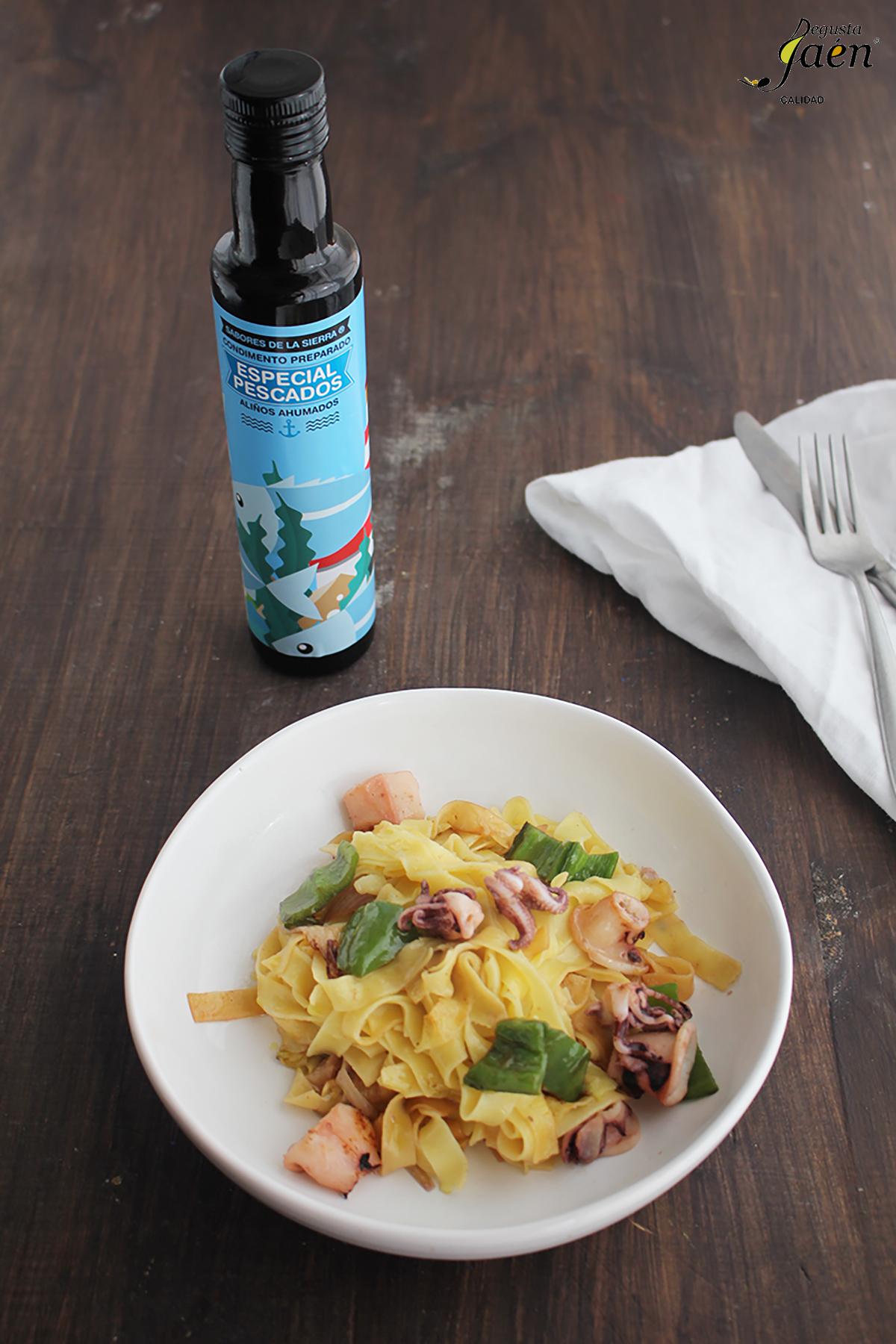 Tallarines con chipirones y aceite ahumado Degusta Jaen