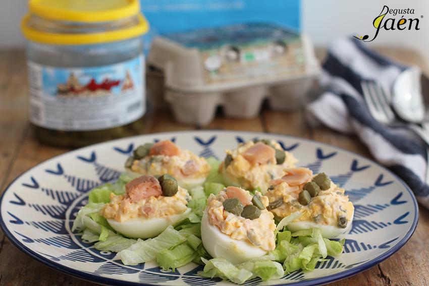 Huevos rellenos trucha pepinillos Degusta Jaen (1)