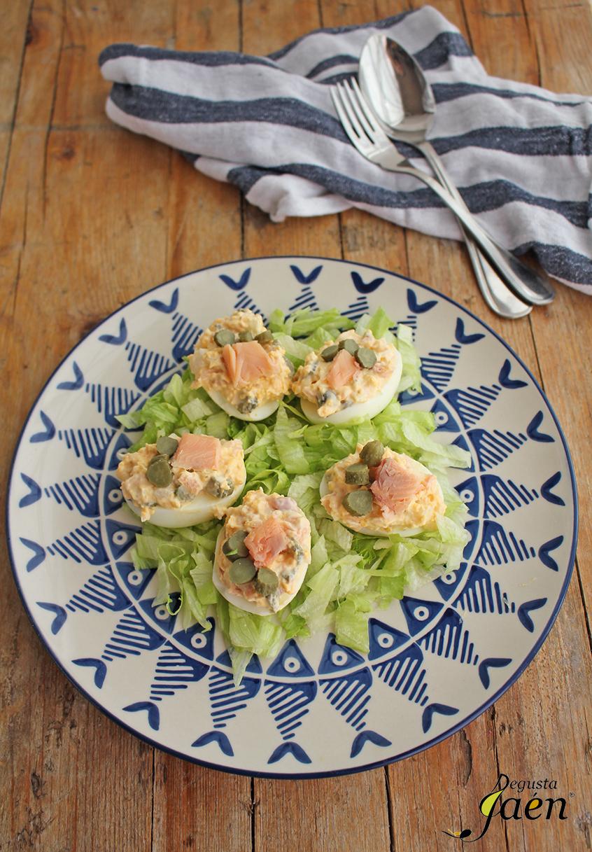Huevos rellenos trucha pepinillos Degusta Jaen (2)