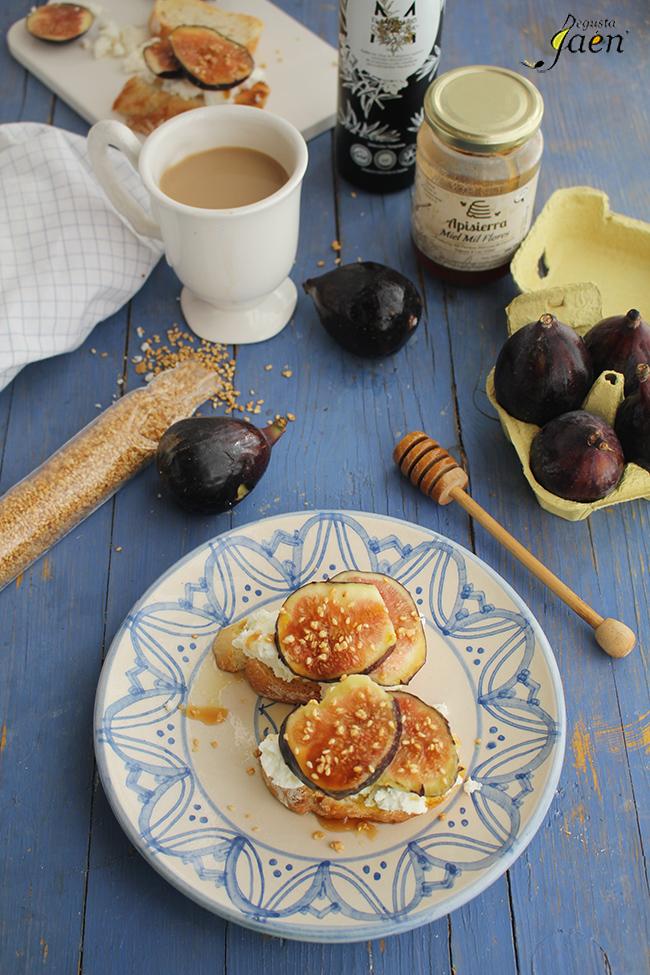 Brevas, requeson y miel Degusta Jaen