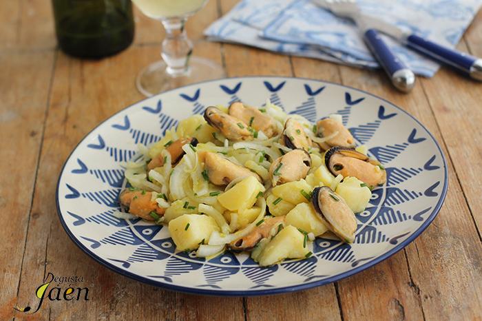 Patatas con mejillones Degusta Jaén (1)