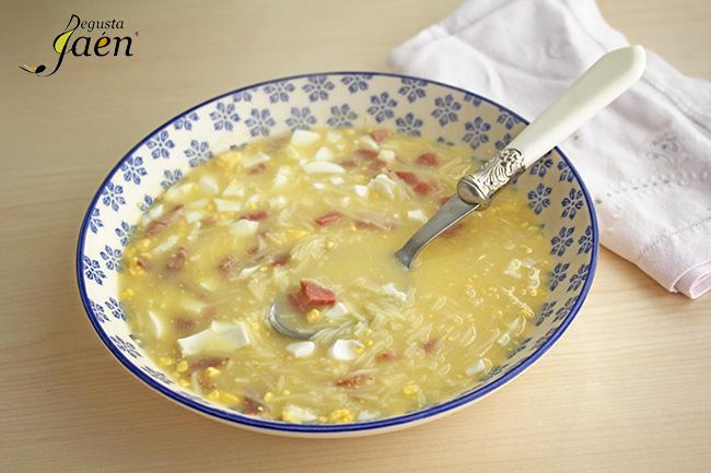 Sopa con fideos, huevos y jamon Degusta Jaen