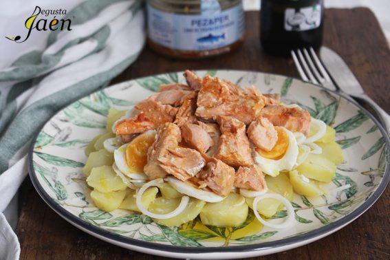 Ensalada con trucha en escebeche Degusta Jaen (1)