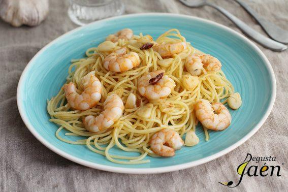 Espaguetis con langostinos y ajo Degusta Jaen (1)
