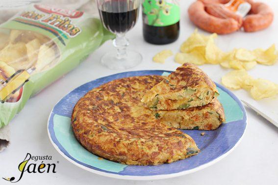 Tortilla de patatas de bolsa, calabacin y chorizo Degusta Jaen (1)