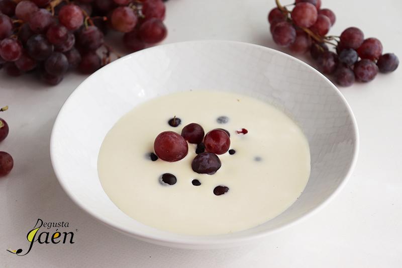 ajoblanco con uvas bailen degusta jaén