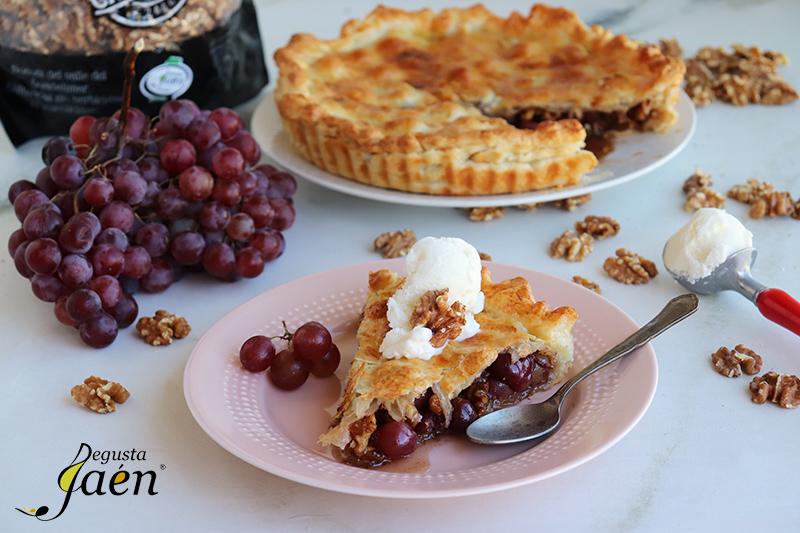 Tarta de uvas de Bailen con Nueces de Canena